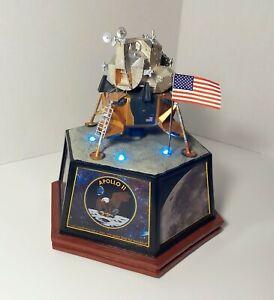 HAWTHORNE VILLAGE APOLLO 11 MASTERPIECE TRIBUTE MODEL SPACECRAFT W LIGHT SOUND