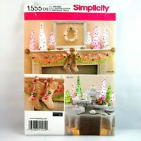 Simplicity Pattern 1555 OS Christmas Decorations Elaine Heigl Stockings Tree