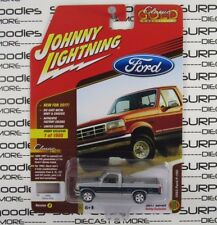 Johnny Lightning 1/64 2017 Hobby Exclusive 1993 FORD F-150 Pickup Truck Ver A