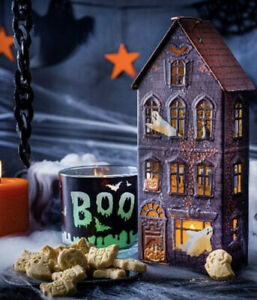 M&S Halloween Haunted House Light Up Tin Shortbread Biscuits - New