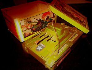 AMAZING VINTAGE RARE GREEK TIN WIND UP TANK - AMERICAN FAVORITE - LITHO BOX 60s