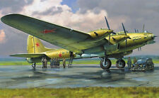 "Zvezda 7280 - Petlyakov Pe-8 ON ""Stalin's Plane""  Langstreckenbomber - Kit 1:72"