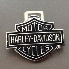Pin's Folies *** Enamel badge moto motorcycle Harley - Davidson ATS Paris France