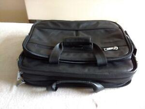 Brand New Men's Genuine Cow Leather Messenger / Shoulder Bag
