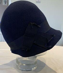 Original 1920's felt cloche hat with Petersham ribbon decoration dark blue.