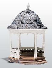 Woodland Scenics D236 - Gazebo White Metal Kit H0 Gauge - 1/87 Scale - 1st Post