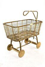 Culla per neonati in giunco naturale con ruote in legno