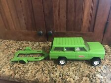 Vintage Tonka Green Jeep Cherokee Chief Pressed Steel 1970s #53078 and trailer