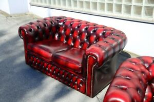 Chesterfield zweier Club Sofa in Blut rot direkt aus England