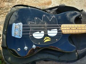 Fender Squier Badtz-Maru Bronco Hello Kitty Short Scale Bass Guitar RARE + Case