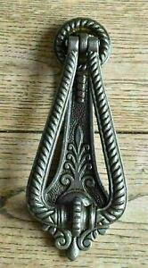 An elegant Georgian style solid cast iron door knocker doorknocker G1