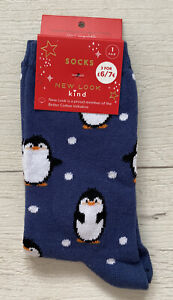 Ladies//Girls Blue With Penguins And Dots On Christmas Cotton Ankle Socks