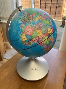 2 In 1 Globe, Earth And Constellations Light Up