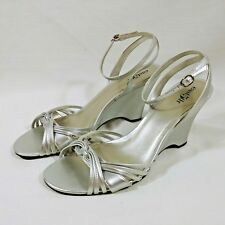 2a3d9f3751 9 1/2 Pump Dress Shoes Strappy Womens East 5th Original Box Included