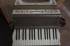 """HOHNER """"VINETA"""" c1930s 48 BASS Pianoforte Fisarmonica finitura bianca con fantasia a fiori * VINTAGE"""