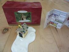 Hallmark Woodstock On Doghouse Display Piece Snoopy Christmas 1St Of 5 Yr 2000