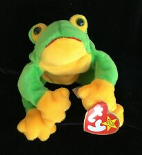 """Smoochy"" the Social Distancing Kissing Frog Ty Beanie Baby Collector-Owned"