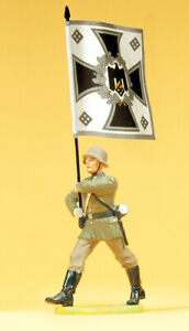 """Preiser 56052 Maßstab 1:25 Figur """"Soldat im Marsch m Regimentsfahne""""#NEU in OVP#"""