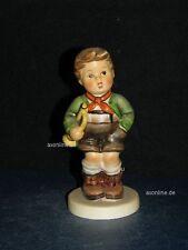 """Goebel Hummel Figur, Hum 97, """"Der kleine Musikant"""", TMK7"""