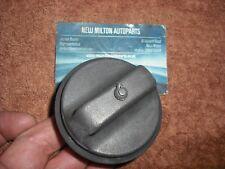 A GENUINE SCENIC MK1  RX4  1997-2003 STANDARD PETROL / DIESEL  FUEL CAP