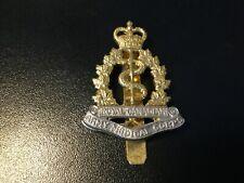 Royal Canadian Army Medical Corps RAMC Military Cap Badge. (D89)
