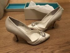 Benjamin Adams Wedding Shoes Ivory Satin closed-toe EU size 37(UK 4), US 6.5