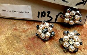 """Vintage Made in Czechoslovakia 1"""" Pressed Beads 22mm Pearls 3 pcs"""