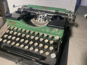 Antique ROYAL PORTABLE typewriter   Rare Green with Gold lettering. P54747