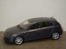 Opel Astra - Minichamps 1:43 *36750