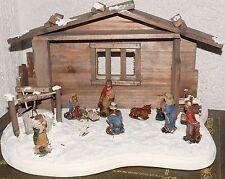Krippe Weihnachten Holz 36 x 24 x 22 cm mit Krippenfiguren 10tlg Ziehbrunnen
