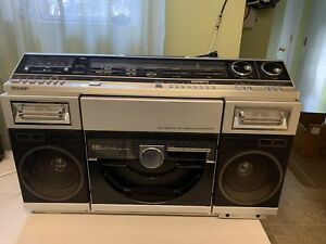 Sharp VZ-2000 Boombox Nice