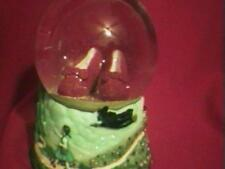 "WIZARD OF OZ "" RUBY SHOES "" MUSIC BOX / WATERGLOBE "" RARE 1997 "" SNOWGLOBE"