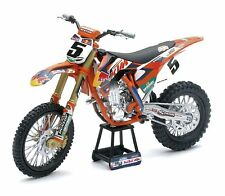 New Ray Motorcycles 1/10 Scale Red Bull KTM 450 SX-F Ryan Dungey 57633S