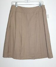 Larry Levine - 8 (M) - NWT - Beige Pin Striped - Knee-Length Pleated Skirt