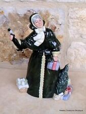 Royal Doulton Christmas Parcels HN2851 Figurine England