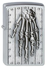 ZIPPO Feuerzeug SKELLETON HAND m. Emblem Brushed Chrome Knochen Hand NEU OVP