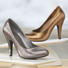 NEW WOMENS METALLIC PEWTER HAPPY PUMP SHOE by ANDIAMO SIZE 6 W