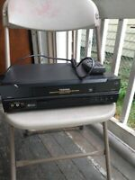 Toshiba W-522 VHS VCR Player Recorder with remote