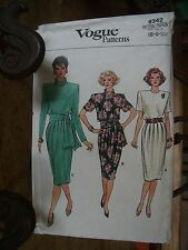"""PATRON VINTAGE """"VOGUE'S  """"ROBE NOUEE 3 VERSIONS  TAILLE 34/36/38"""