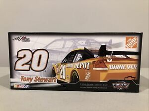2007 Tony Stewart #20 Home Depot Chevy Impala SS COT 1/24 Action Diecast