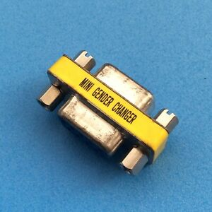 D-Sub Gender Changer: 9-Way DB9 Female to 9-Way DB9 Female (Socket to Socket)