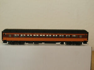 Walthers H0 932-10112 Heavyweight Paired Window Coach Milwaukee Road in OVP