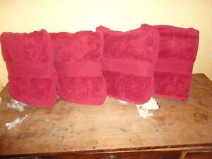 DILLARDS NOBILITY RED SOLID (4PC) SET BATH TOWELS 27 X 45 100% SUPIMA COTTON