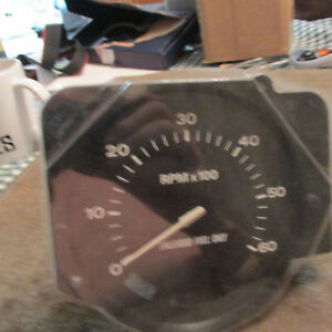 NOS 1977 FORD PINTO MERCURY BOBCAT FACTORY NEW TESTED FORD TACHOMETER ASSEMBLY