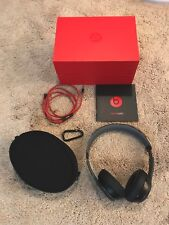 BEATS SOLO 2 WIRED ON EAR WITH BOX * CASE * MANUAL * WIRE * EXCELLENT CONDITION