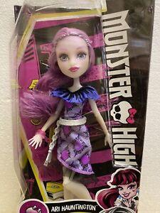 Monster High Ari Hauntingdon Doll New DPL86 Daughter Of Ghosts Slight Box Damage