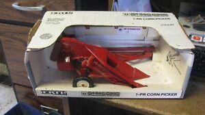 Ertl 1 row I H corn picker, nib, #666, free shipping