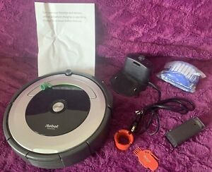 iRobot Roomba 690 Wi-Fi Robot Vacuum Cleaner — Newly Repaired & Refurbished