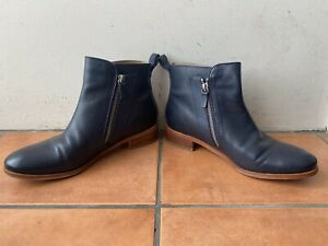 Gorgeous TRENERY EU 39 AU 8 - 8.5 Navy Blue Leather Zip Up Ankle Boots