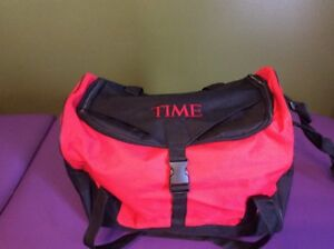 Time Magazine Duffel Bag Small Gym Overnight Travel Bag Tote SuitCase Black Red
